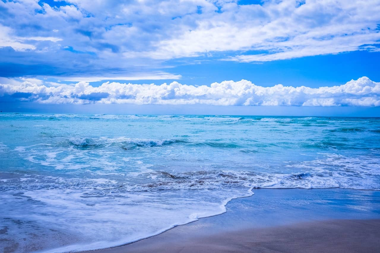 beach-blue-sky-clouds-96377 (1)
